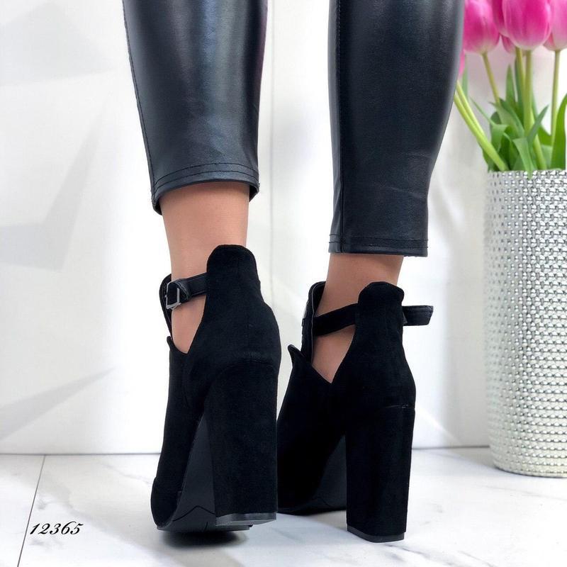 Ботильоны женские замшевые черные на каблуке - Фото 5
