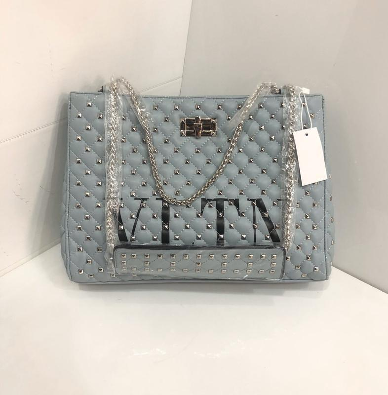 Женская   сумка в стиле valentino vltn валентино  цвета
