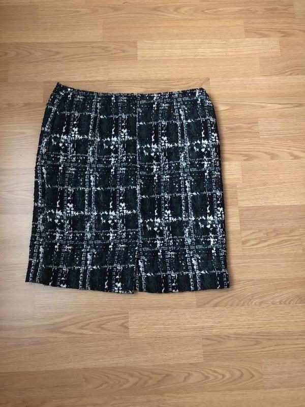 Очень красивая твидовая юбка-карандаш в клетку с серебром р-р 48 - Фото 2