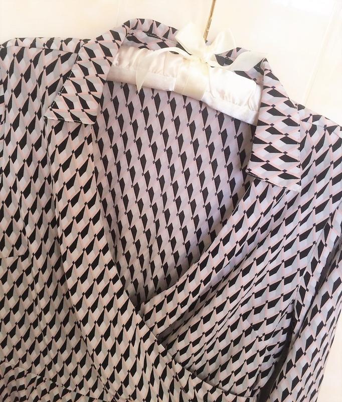 Актуальна сукня в геометричний прінт prettylittlething,p.10 - Фото 4