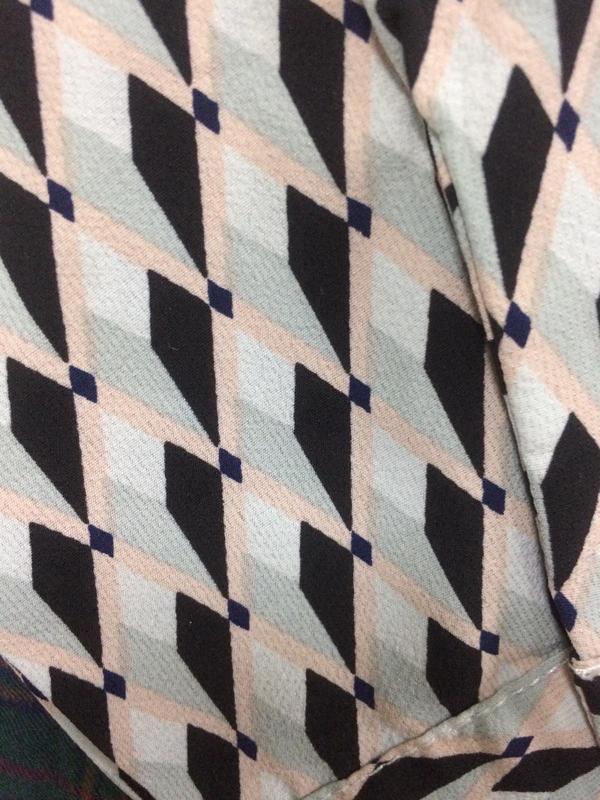 Актуальна сукня в геометричний прінт prettylittlething,p.10 - Фото 6
