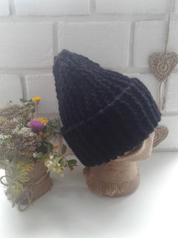 Вязаная шапка бини крупной вязки - Фото 3
