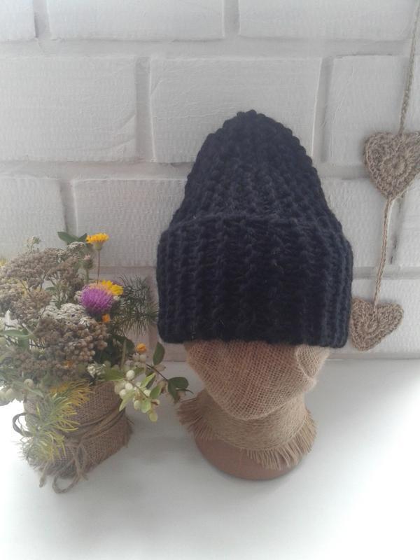 Вязаная шапка бини крупной вязки - Фото 4