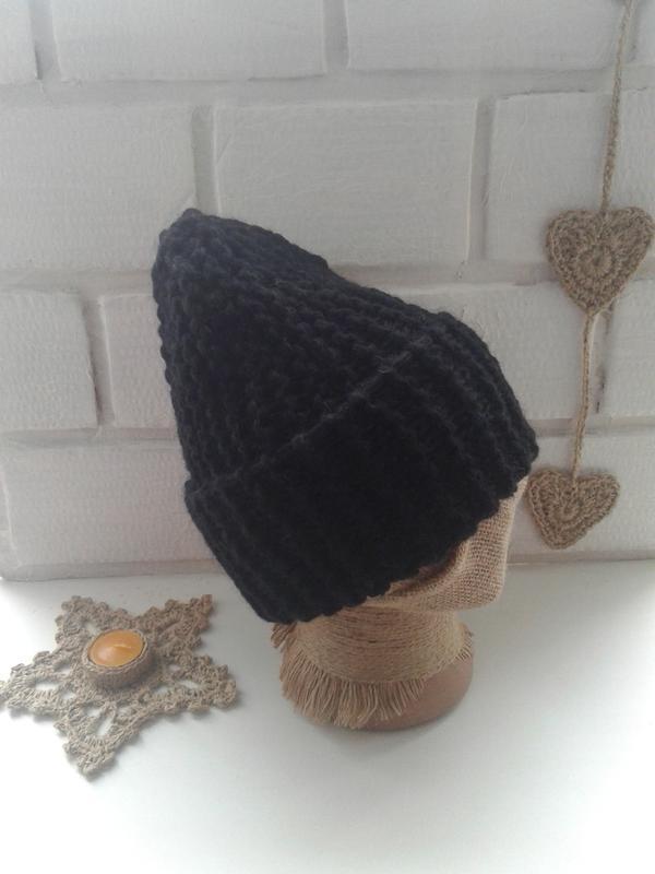 Вязаная шапка бини крупной вязки - Фото 5