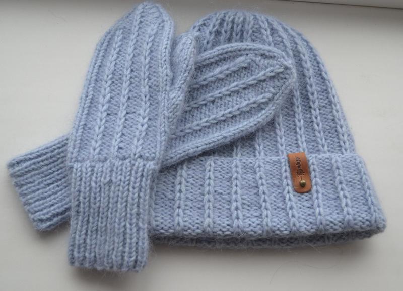 Вязаная шапка и варежки - Фото 4
