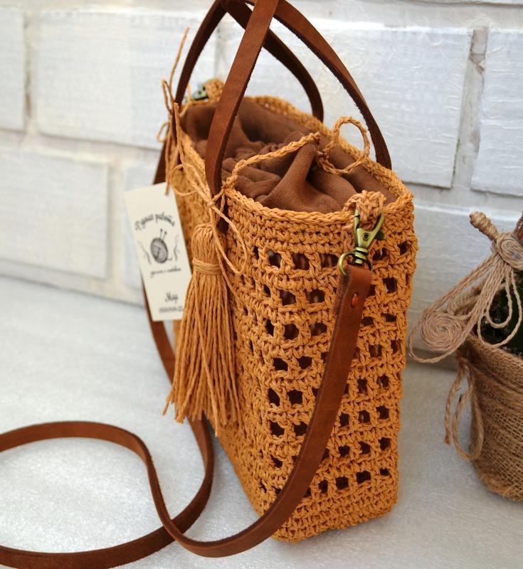Плетеная летняя сумка. сумочка из рафии с кожаным ремешком - Фото 3