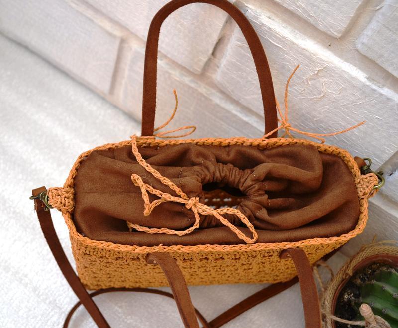 Плетеная летняя сумка. сумочка из рафии с кожаным ремешком - Фото 5
