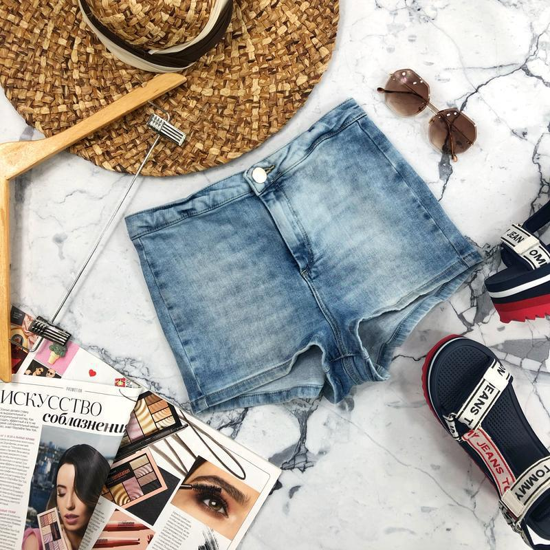 Стрейчевые джинсовые шорты высокой посадки topshop - Фото 2