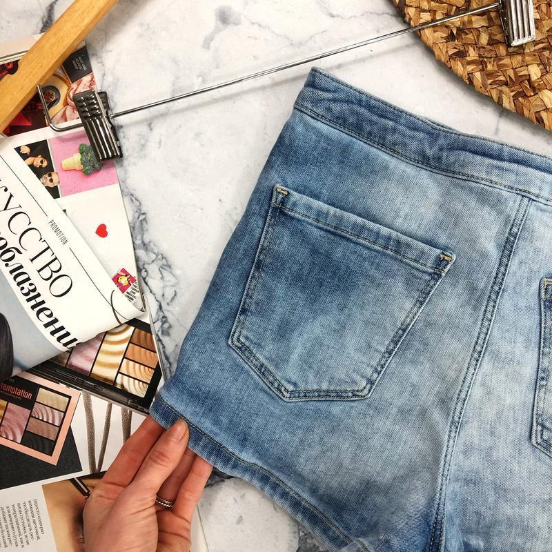 Стрейчевые джинсовые шорты высокой посадки topshop - Фото 6