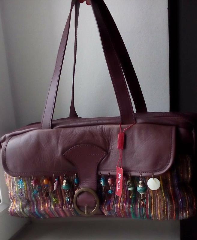 Вместительная кожаная сумка monsoon. новая