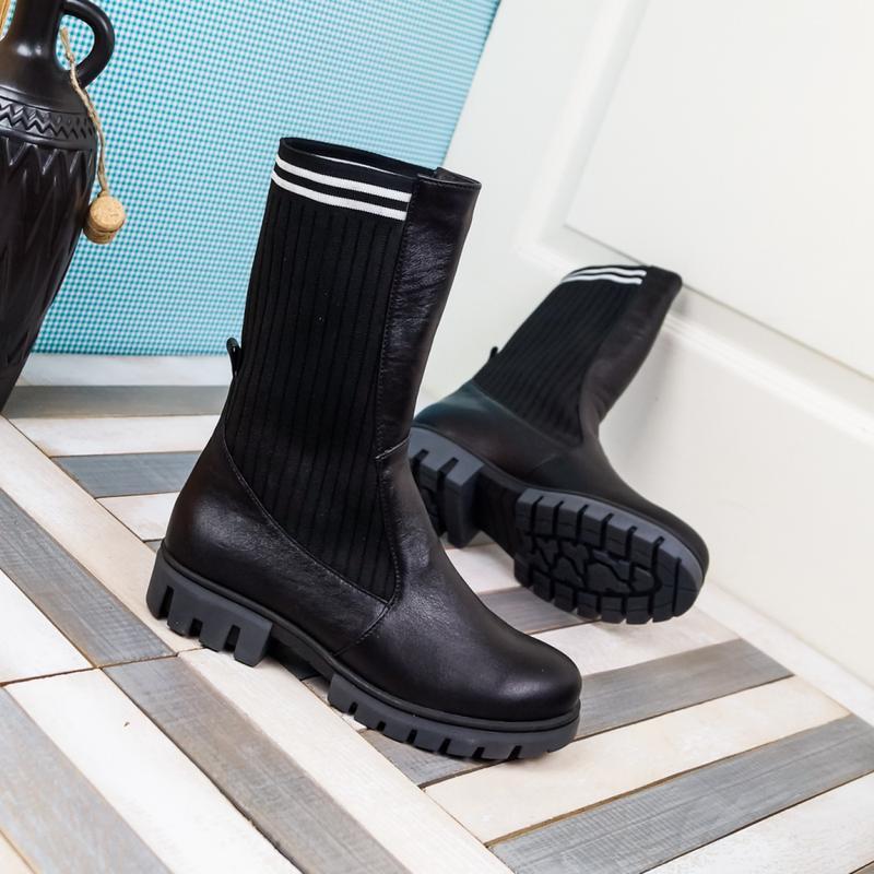 Кожаные женские демисезонные черные сапоги ботинки с трикотаже... - Фото 2