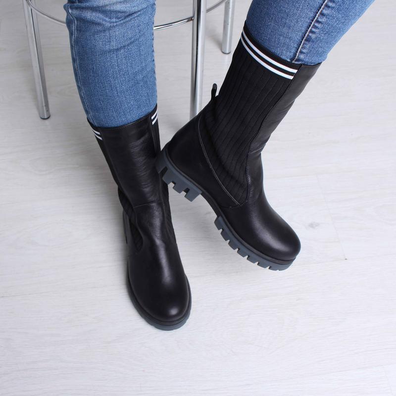 Кожаные женские демисезонные черные сапоги ботинки с трикотаже... - Фото 5