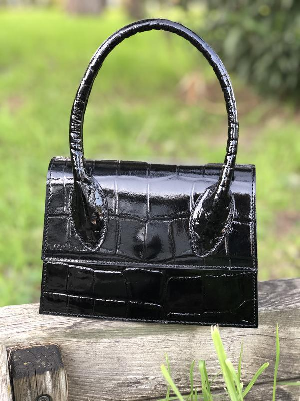 Кожаная сумочка в стиле jacquemus чёрная