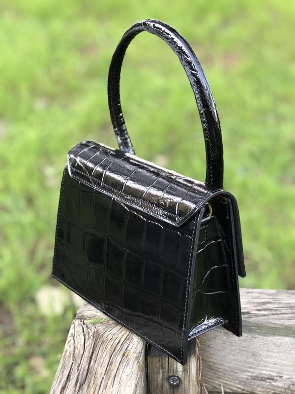 Кожаная сумочка в стиле jacquemus чёрная - Фото 2