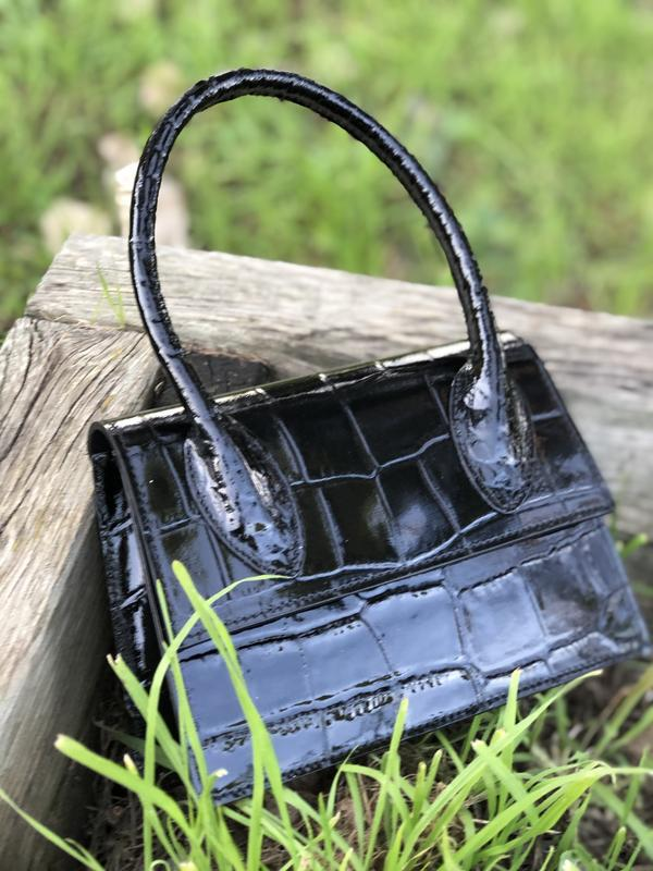 Кожаная сумочка в стиле jacquemus чёрная - Фото 5