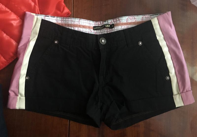 Короткие шорты от golddigga