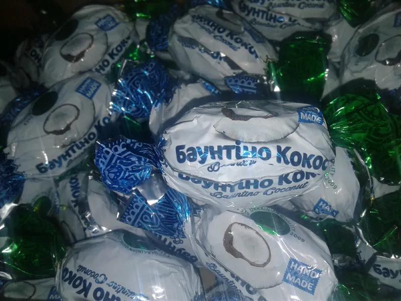 Кокос в шоколаде, Упаковка 1кг. Шоколадные конфеты в ассортименте