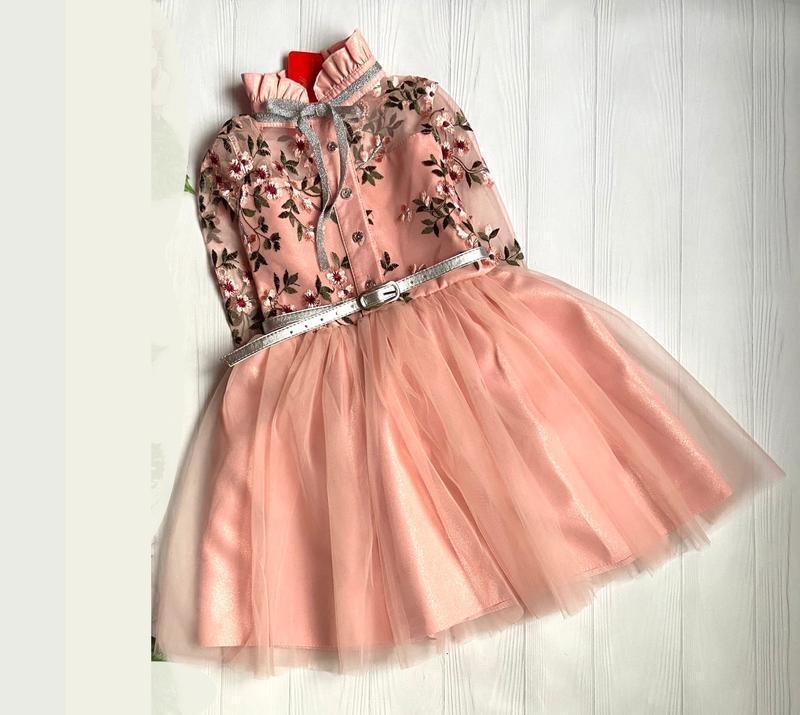 Очень красивое платье для девочки.