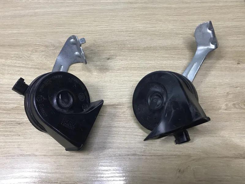 Сигнал гудок рог Chevrolet Bolt EV 94558158,94558159