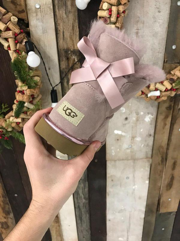 Крутые уги ❄️ugg mini bailey bow boot pink ❄️ на овчине - Фото 5