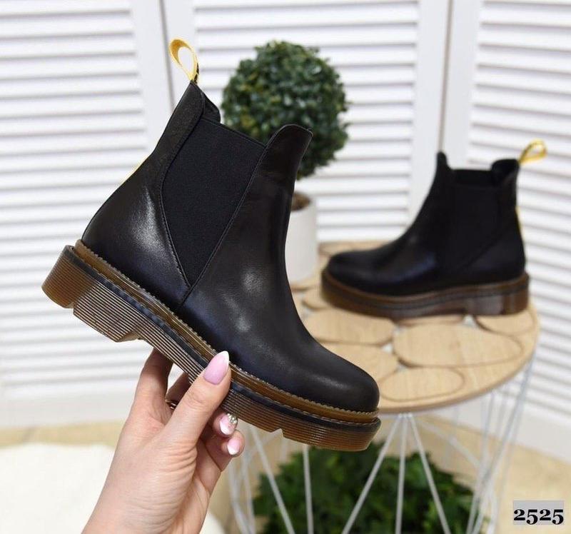 Натуральные кожаные женские демисезонные ботинки челси - Фото 2