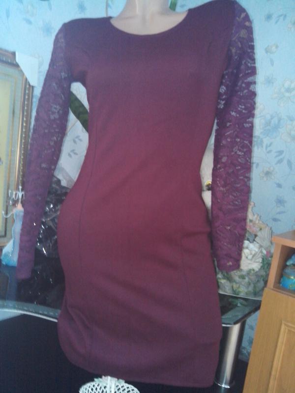 Платье-миди цвет марсала с кружевом - Фото 2