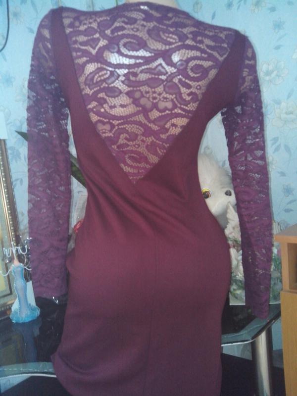 Платье-миди цвет марсала с кружевом - Фото 3