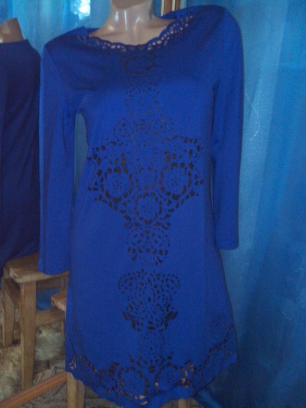 Модное платье-туника-трапеция с перфорацией от angelina