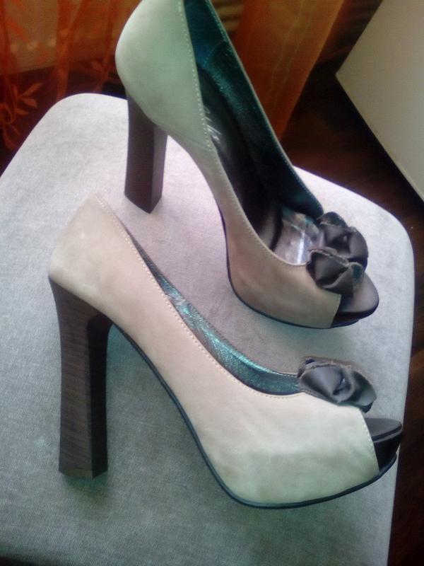 Шикарные кожаные туфли тёмно-бежевого цвета от elda