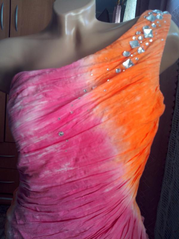 Шикарное брендовое платье с камнями - Фото 2