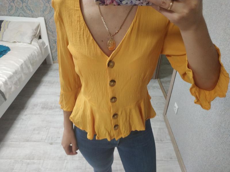 Красивая блуза с актуальными рукавами сочного желтого цвета - Фото 2