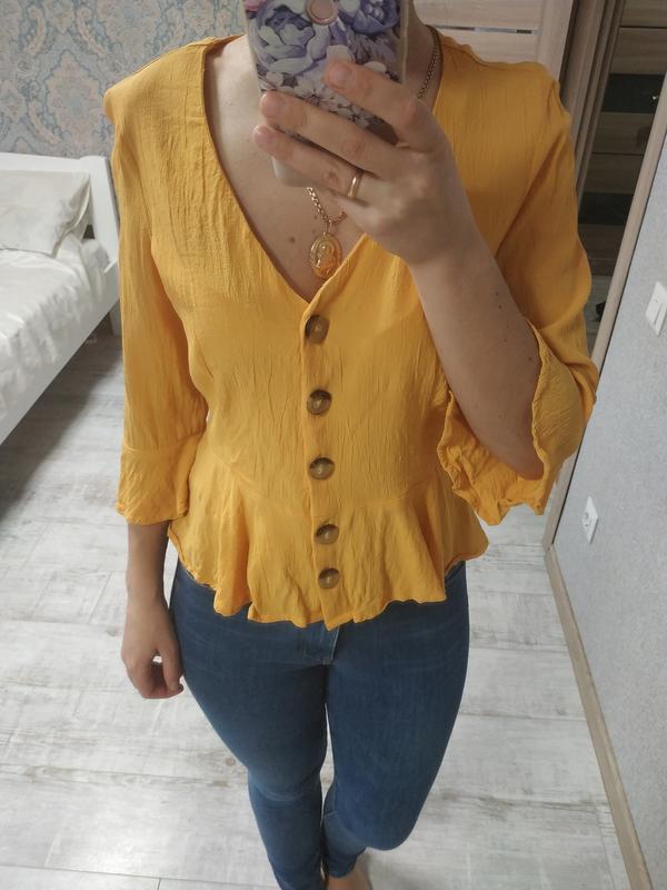 Красивая блуза с актуальными рукавами сочного желтого цвета - Фото 4