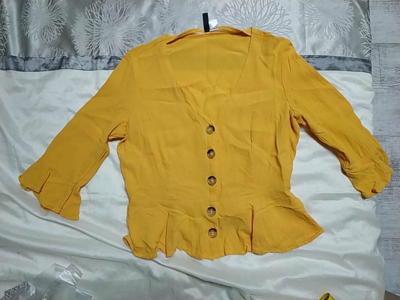 Красивая блуза с актуальными рукавами сочного желтого цвета - Фото 5