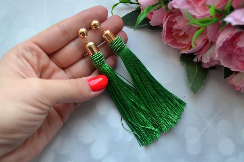 Длинные серьги-кисти зеленые - Фото 2