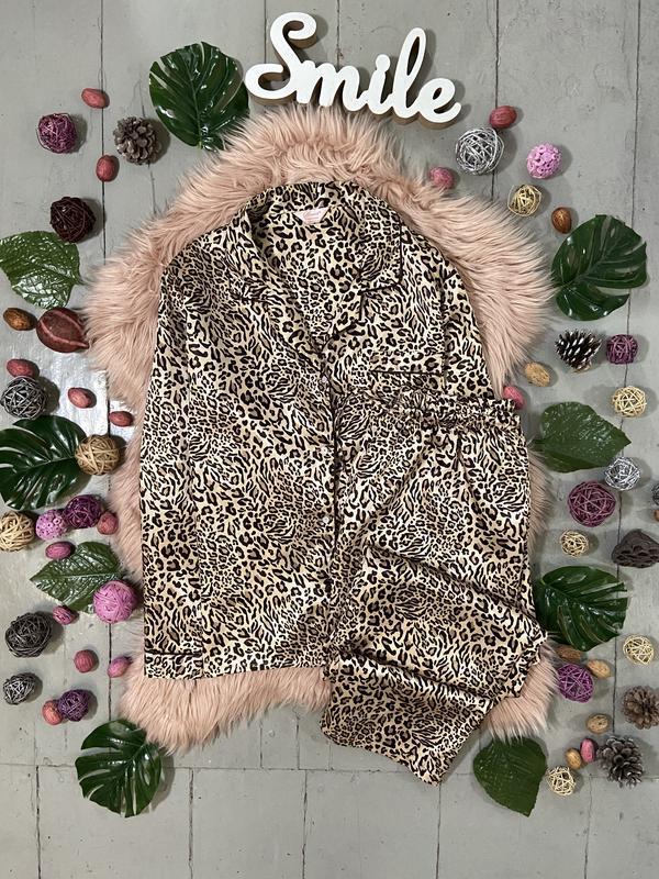 Нежная сатиновая пижама в леопардовый принт №70
