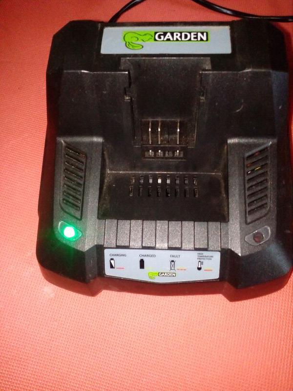 Зарядное устройство Garden 40v li-tion