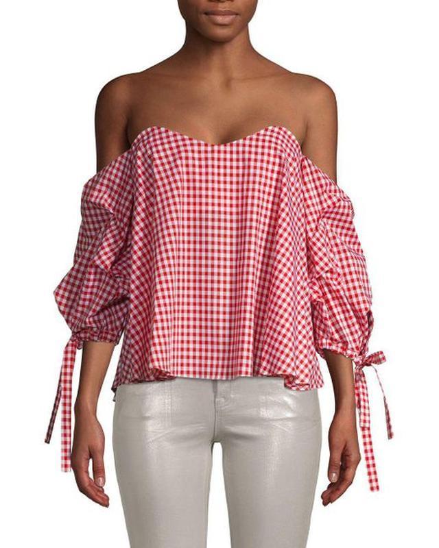 Блуза в нежно-розовую клетку со спадающими плечами и акцентным... - Фото 5