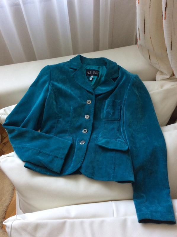 Красивый пиджак от armani jeans оригинал