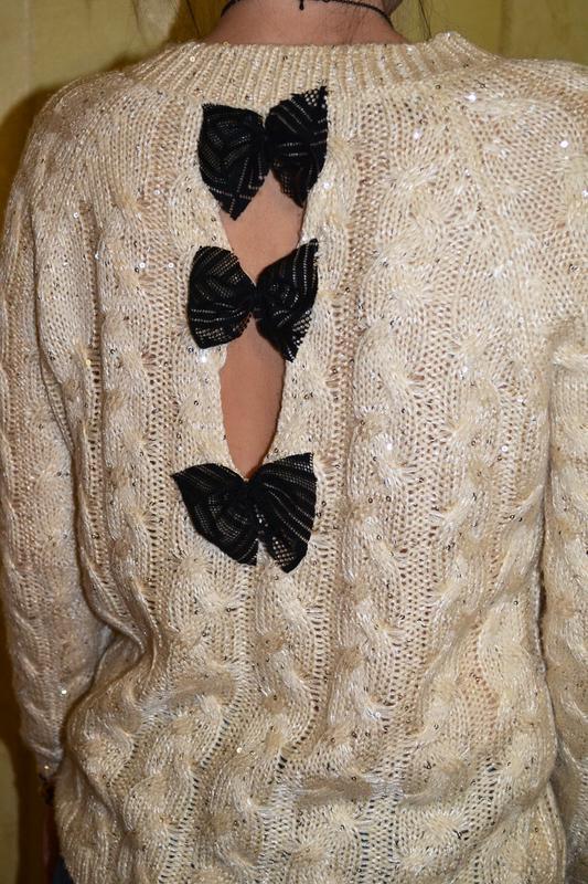 Красивый свитер, кофта с бантиками