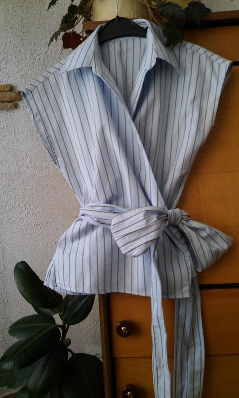 Голубая блуза в коричневую полоску, размер 8-10