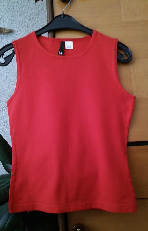Красная футболка, состояние новой вещи