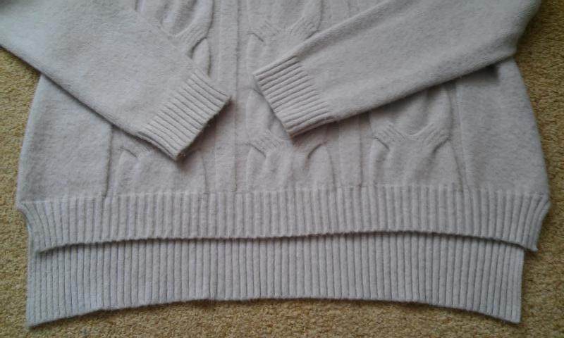 Мягкий бежевый свитер с косами на высокую девушку - Фото 4