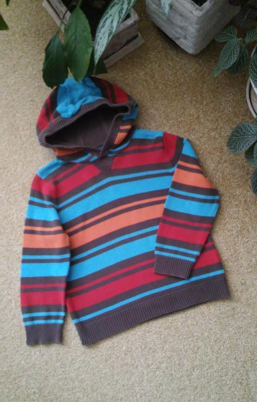 Свитер с капюшоном, разноцветные полоски