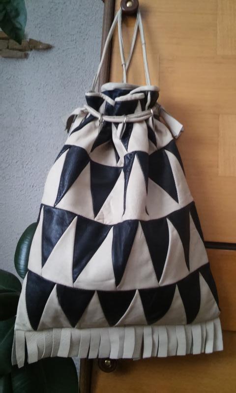 Кожаная сумка-мешок в этностиле