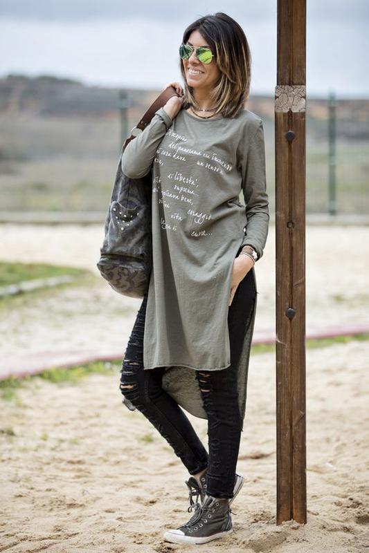 Удлиненная замшевая футболка с разрезами по бокам от amisu - Фото 2