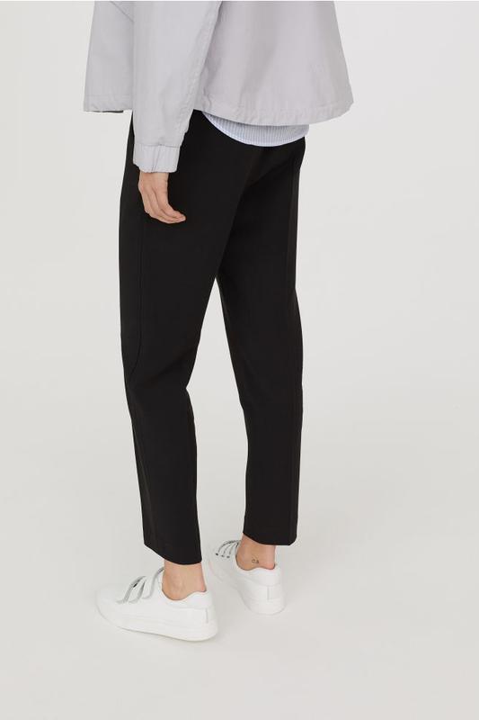 Укороченные зауженные брюки от zara