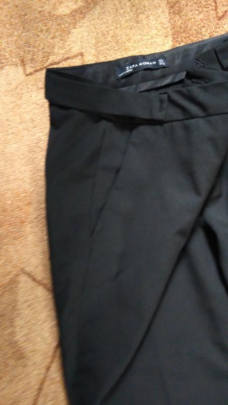 Укороченные зауженные брюки от zara - Фото 5