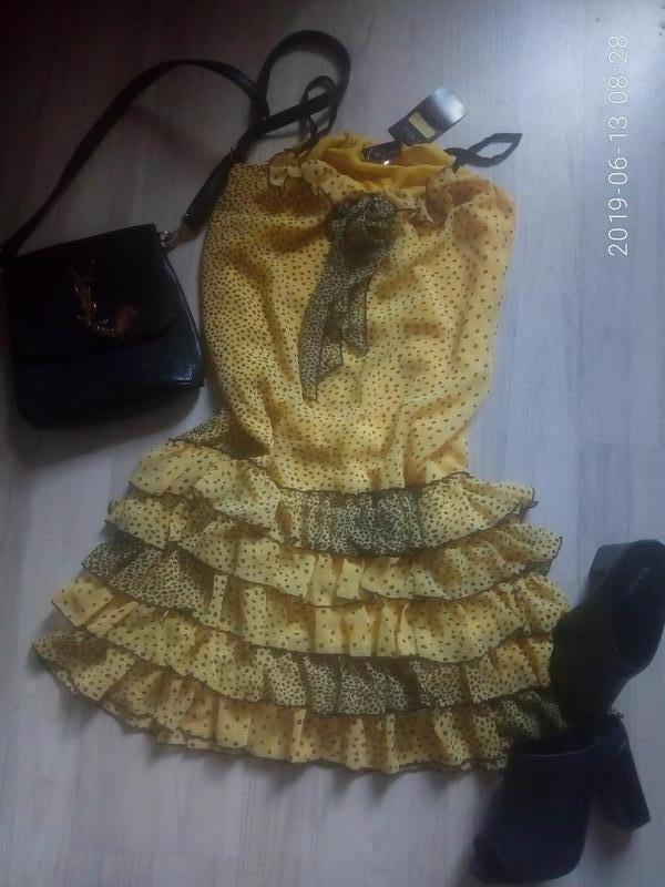 Шифоновое легкое платье на тонких бретелях с рюшами - Фото 4