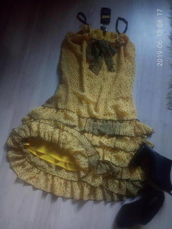 Шифоновое легкое платье на тонких бретелях с рюшами - Фото 5