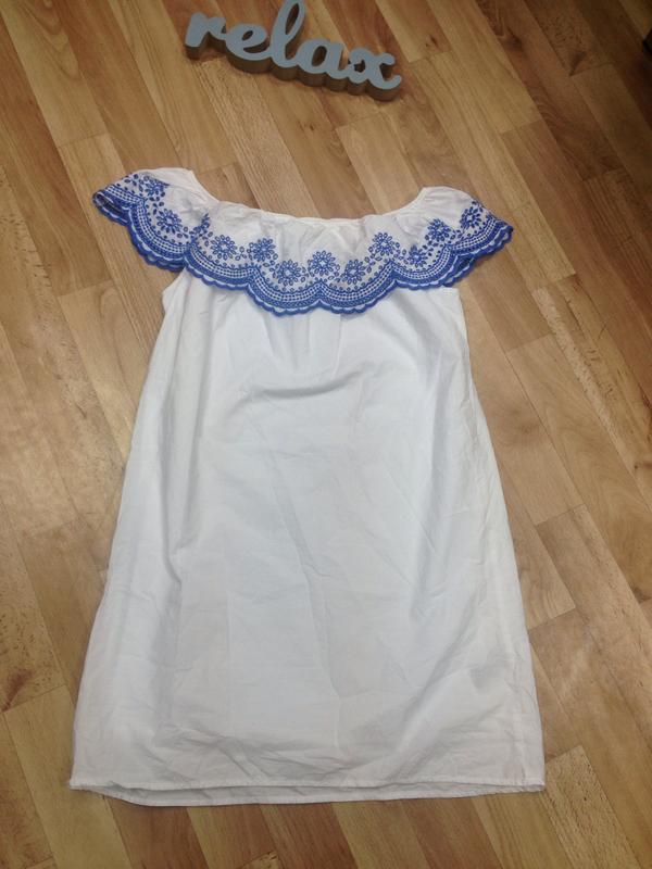 H&m белое натуральное платье свободного кроя с вышивкой на пле...
